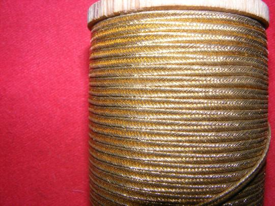 Gold braid, 3 mm large, old stock, price per m