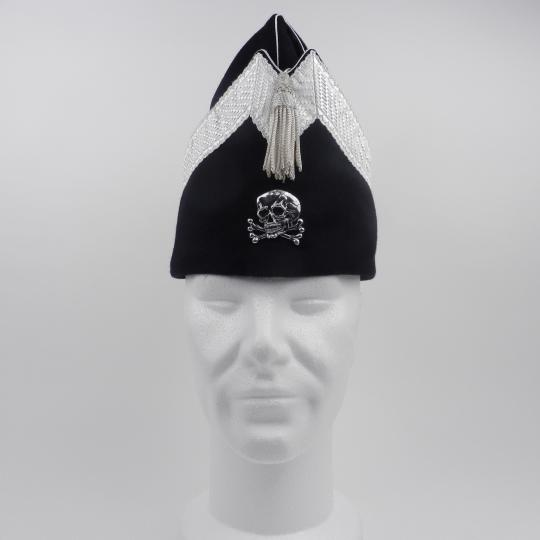 Fatigue cap with skull head and bones for a husar officer