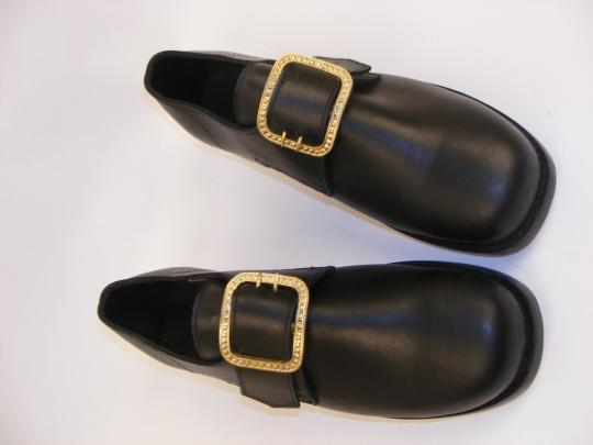 First empire shoes, for officers or (rich) civilians, supplied with buckles