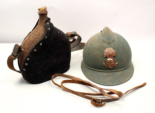 Adrian helmet  + flask- 1 st WW -Mask offered