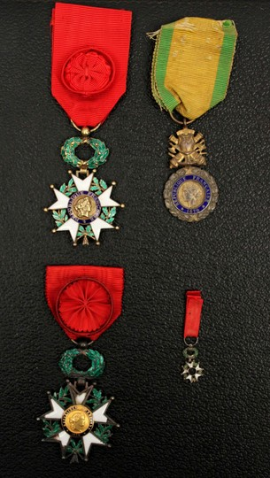 3rd and 4th republic chevalier de la legion d'honneur, medals + merite militaire