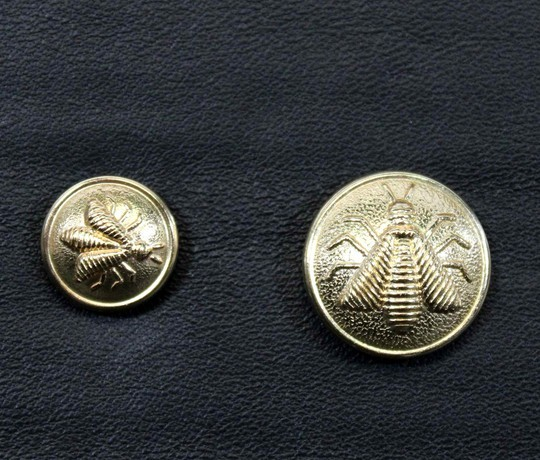 Buttons with bee, 2 sizes