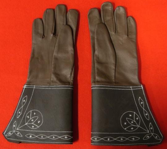 Copy of gloves forgotten by bonaparte on october 11th, 1799 in rocquemaure